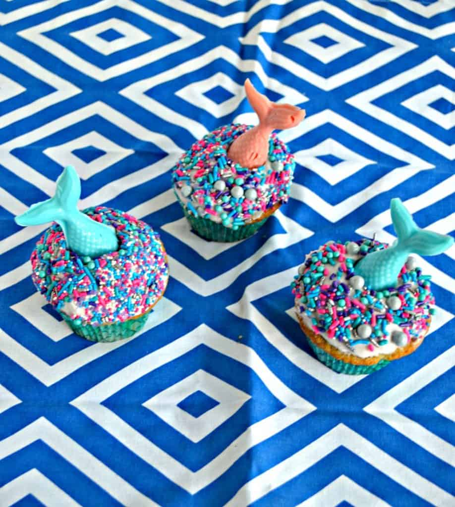 Need a fun treat that kids and adults will enjoy? These Lemon Mermaid Cupcakes are always a winner!