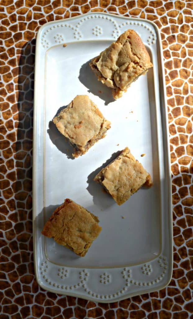 Cinnamon Rolls aren't just for breakfast with these Cinnamon Roll Blondies!