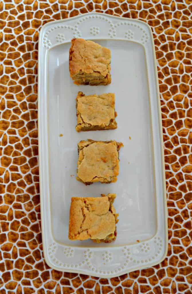 I can't get enough of these Cinnamon Roll Blondies