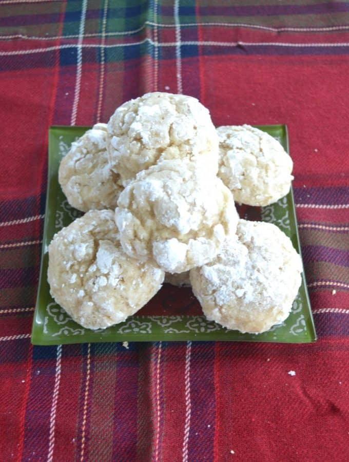 Make your own Eggnog Crackle Cookies at home
