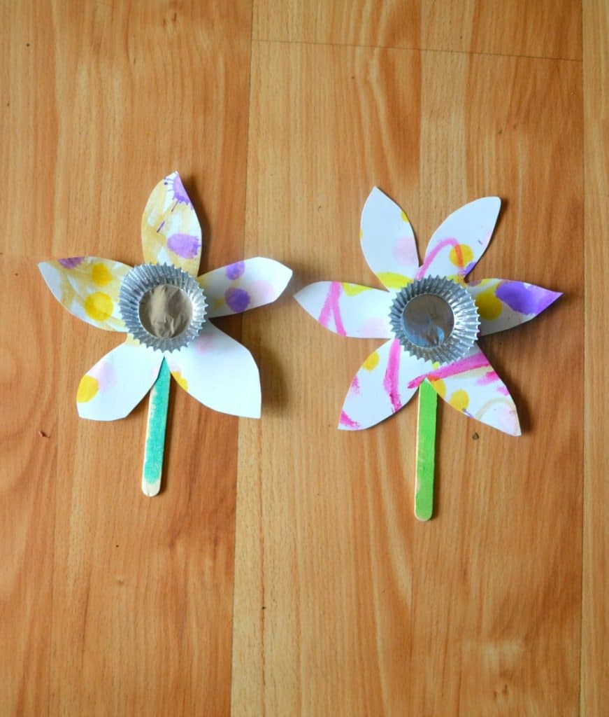 Easy flower craft for toddlers