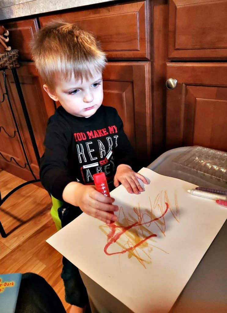 J coloring an Easy Carrot Craft