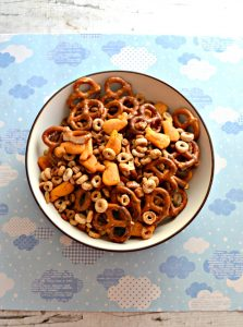 A bowl of Cheerios Snack Mix