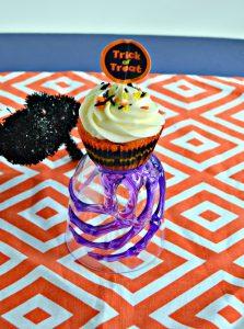 Halloween Brownie Bottom Cupcakes #HalloweenTreatsWeek